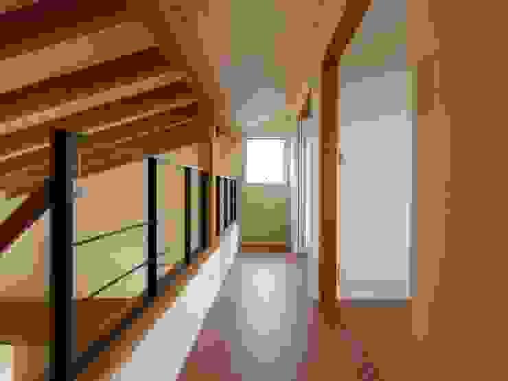 2階ホール~子供室 オリジナルスタイルの 玄関&廊下&階段 の ai建築アトリエ オリジナル