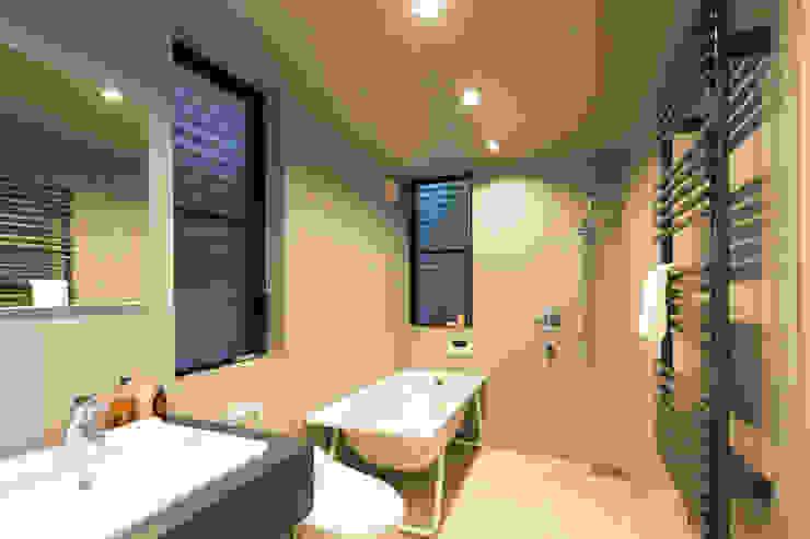 1階 バスルーム ミニマルスタイルの 温室 の 高橋直子建築設計事務所 ミニマル