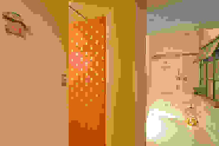 Nowoczesna łazienka od TATO DESIGN:タトデザイン株式会社 Nowoczesny