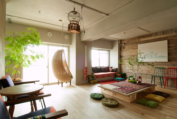 Living room by TATO DESIGN:タトデザイン株式会社, Mediterranean