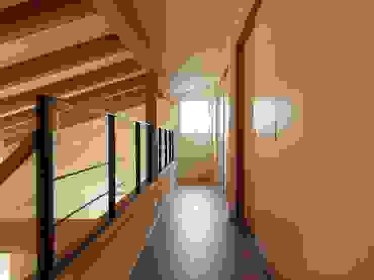 2階ホール オリジナルスタイルの 玄関&廊下&階段 の ai建築アトリエ オリジナル