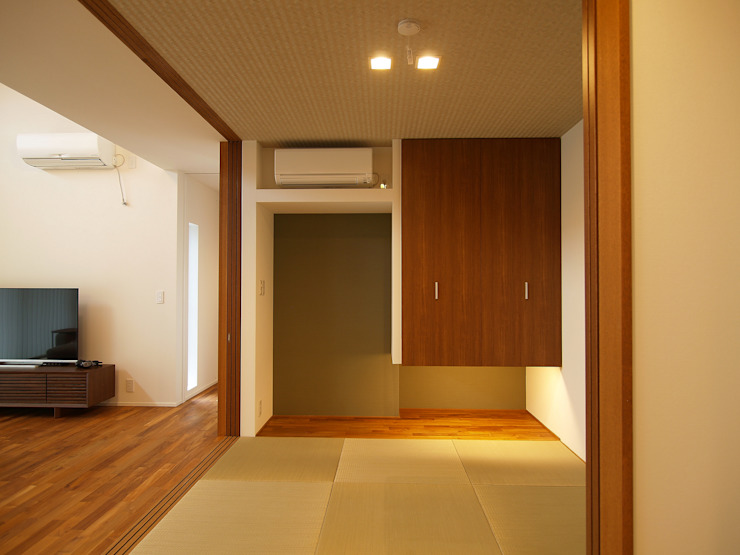 和室 オリジナルデザインの リビング の ai建築アトリエ オリジナル