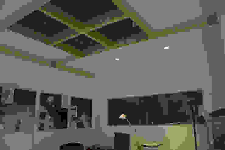 Lo studio professionale – Centro per l'energia Complesso d'uffici in stile industrial di Studio Arkilab - Seby Costanzo Industrial