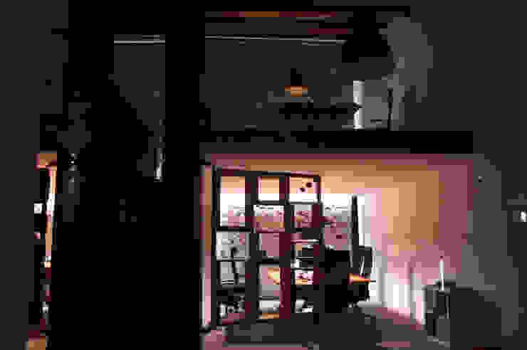 Il loft start-up Complesso d'uffici in stile industrial di Studio Arkilab - Seby Costanzo Industrial