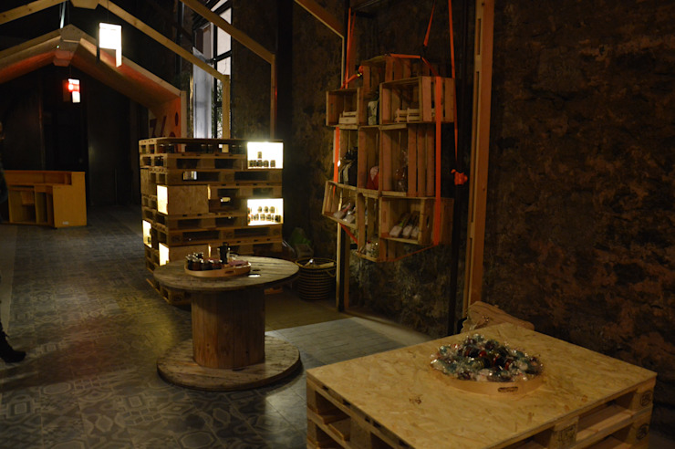 La social house di SAL (Spazio Avanzamento lavori) Complesso d'uffici in stile industrial di Studio Arkilab - Seby Costanzo Industrial