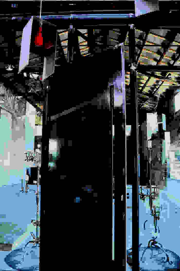 La social house di SAL (Spazio Avanzamento lavori) Musei in stile industrial di Studio Arkilab - Seby Costanzo Industrial