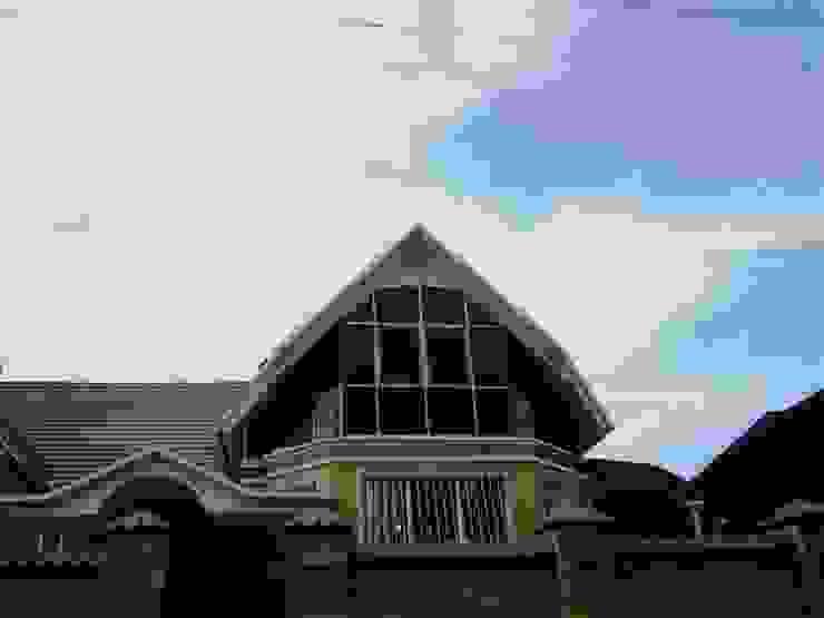 оформление фасада дома г Пятигорск Дома в стиле модерн от Абрикос Модерн