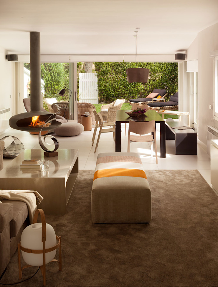 Salón y comedor Salones de estilo moderno de ESTER SANCHEZ LASTRA Moderno