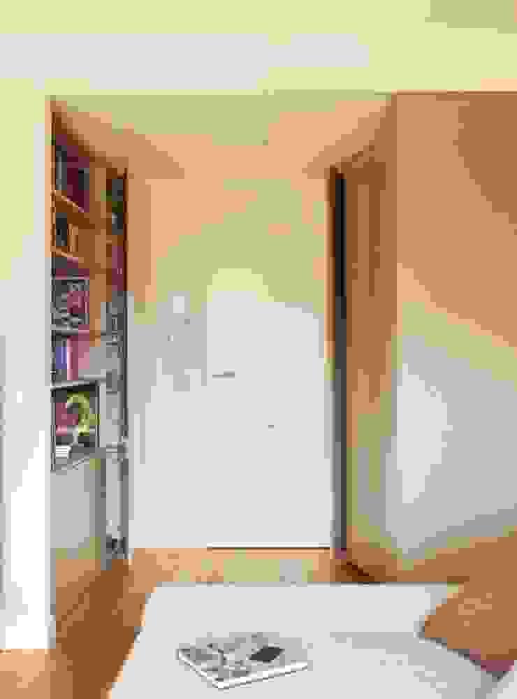Moderne Häuser von ESTER SANCHEZ LASTRA Modern