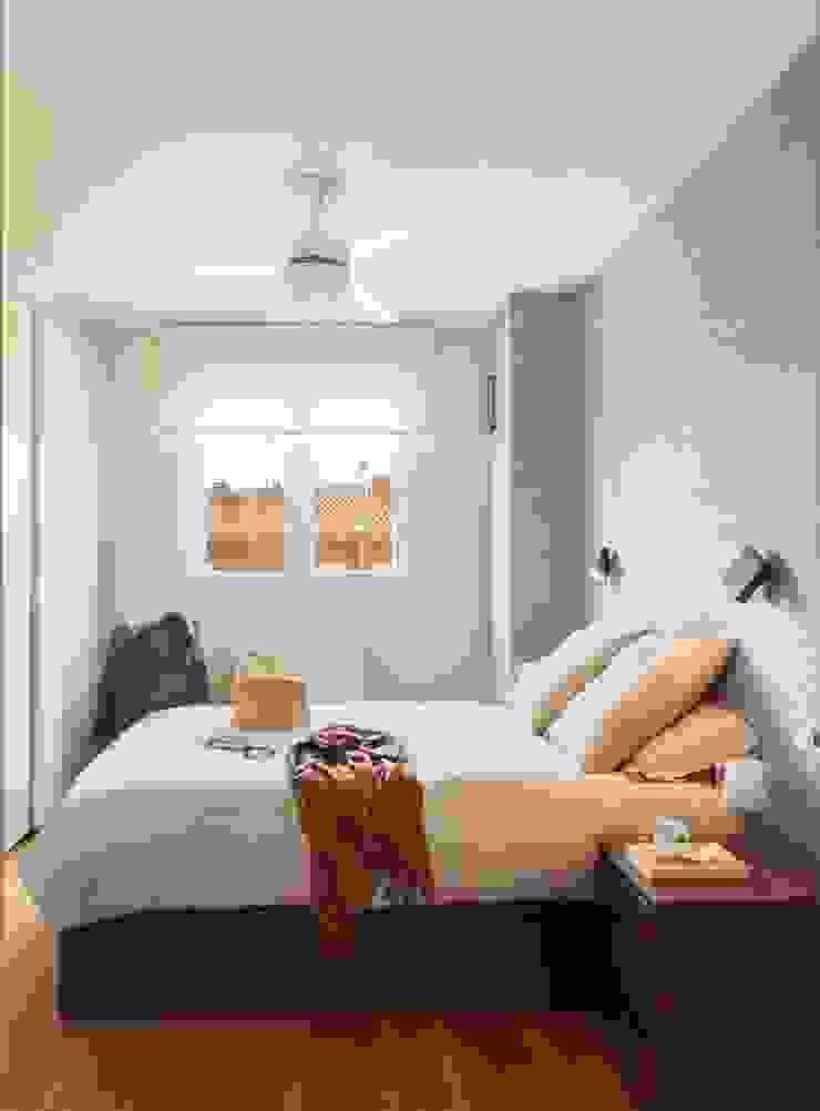 Minimalistische Schlafzimmer von ESTER SANCHEZ LASTRA Minimalistisch