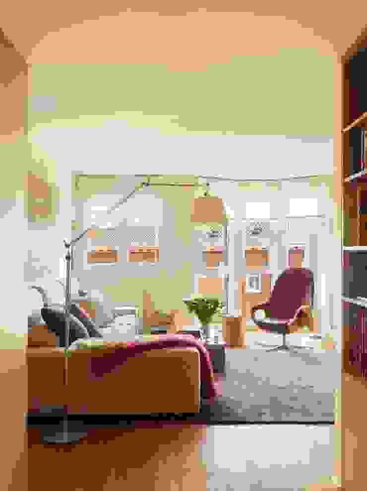 Moderne Wohnzimmer von ESTER SANCHEZ LASTRA Modern