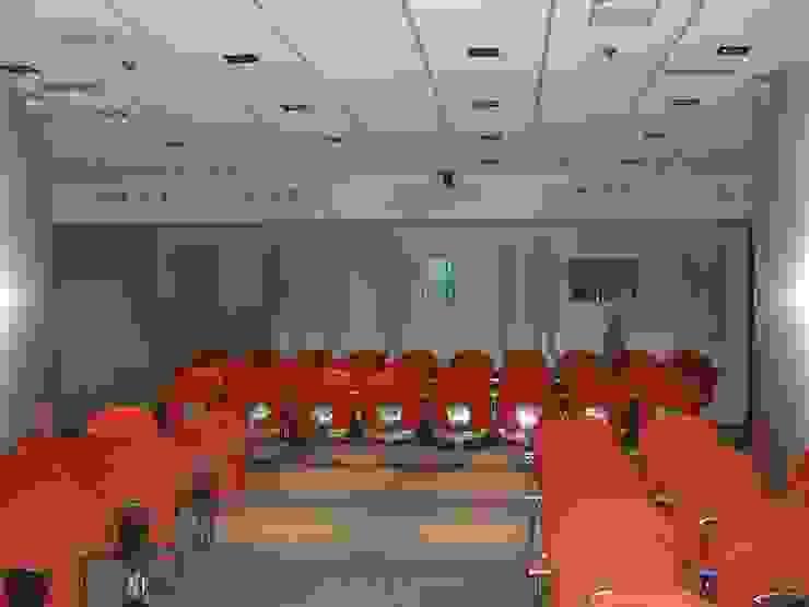 Detalle imagen Palacios de congresos de estilo moderno de ESTER SANCHEZ LASTRA Moderno