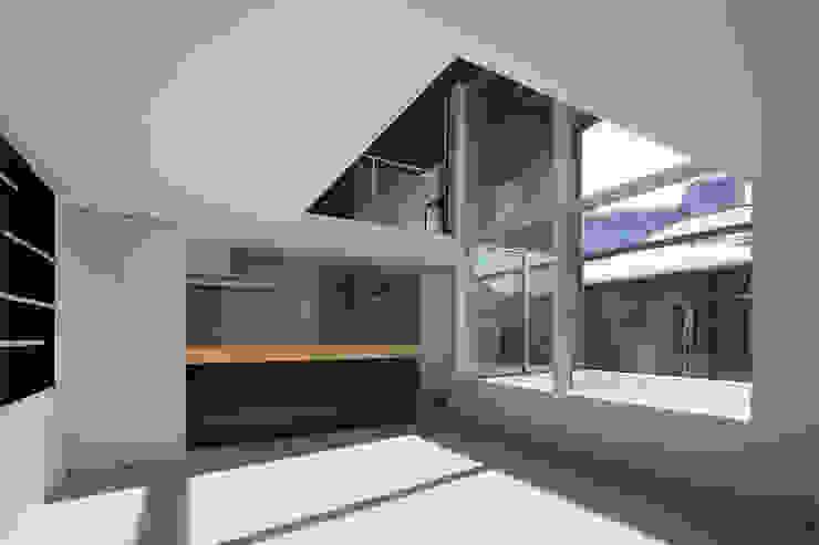 ∩∪ (and or) モダンな キッチン の 岩崎整人建築設計事務所 (Iwasaki Architect and associates) モダン