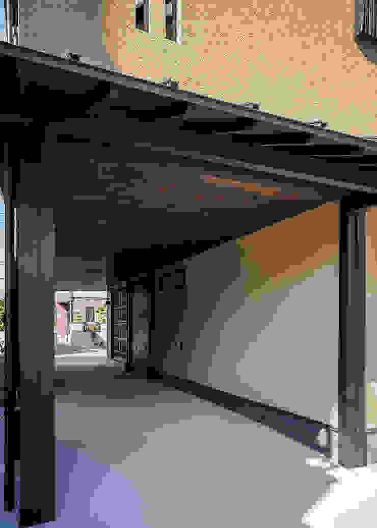 野間の家 オリジナルデザインの ガレージ・物置 の 傳寶慶子建築研究所 オリジナル