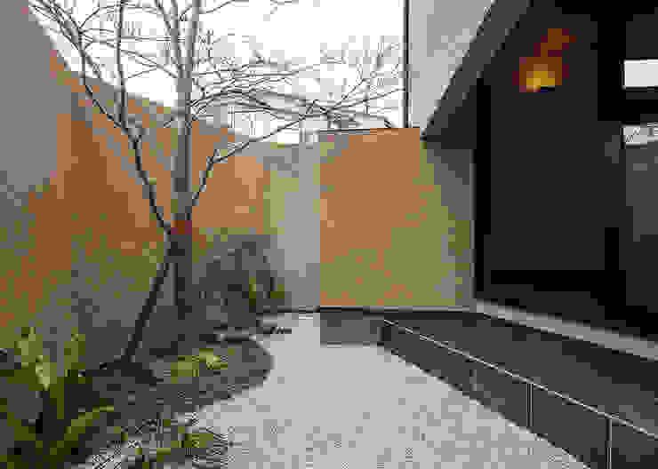 傳寶慶子建築研究所 Eclectic style garden