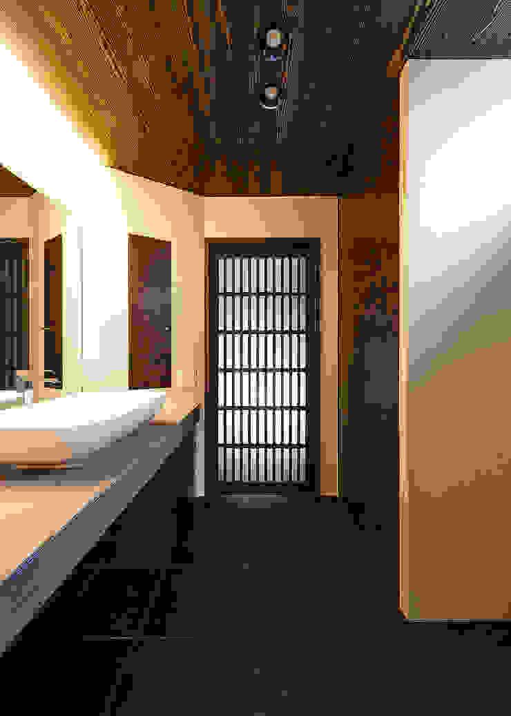 野間の家 オリジナルスタイルの お風呂 の 傳寶慶子建築研究所 オリジナル