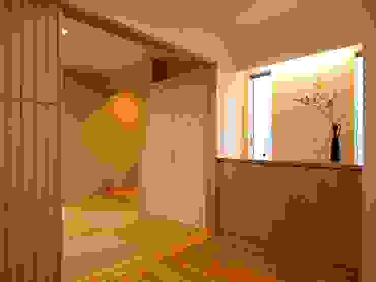 玄関ホール~和室 ai建築アトリエ オリジナルスタイルの 玄関&廊下&階段