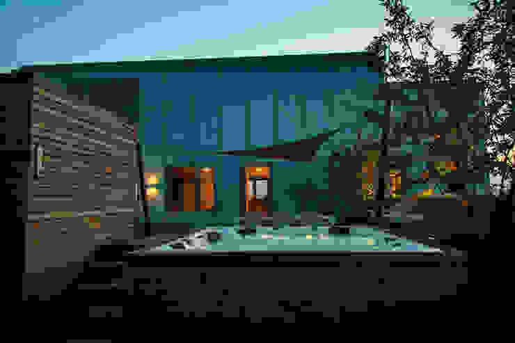 Nowoczesny balkon, taras i weranda od Studio REDD exclusieve tuinen Nowoczesny