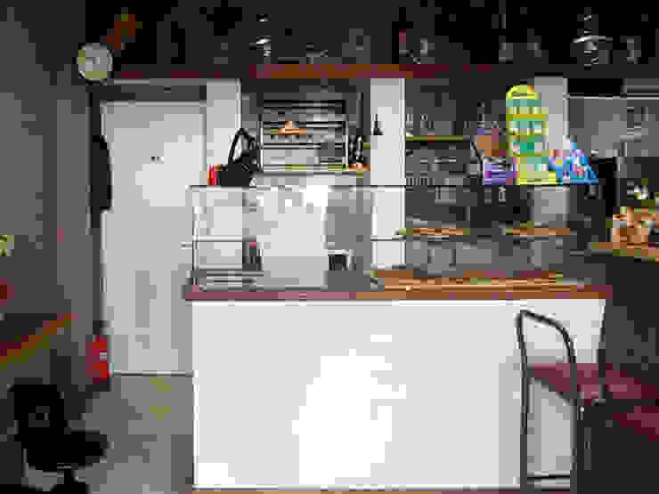 Banco vendita Negozi & Locali commerciali in stile rustico di Arch. Fabio Pacillo Rustico