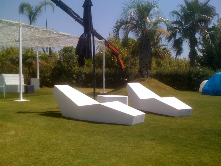 IWA COLLECTION Piscinas de estilo minimalista de FANSTUDIO__Architecture & Design Minimalista