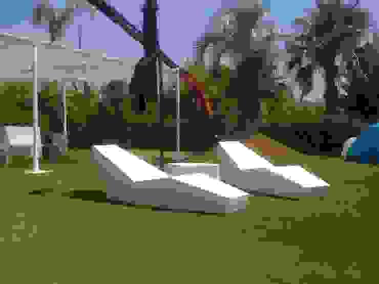 IWA COLLECTION Piscinas de estilo minimalista de FANSTUDIO__Architecture & Design Minimalista