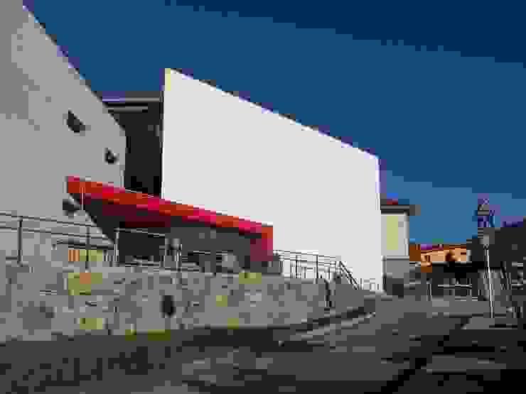 Edificio Residencia en Landetxo de ARQUILUR3 S.L.P. Moderno