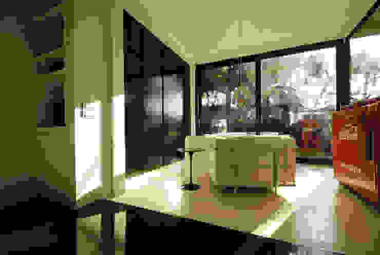 Villa EUR Roma 2010/1012 Camera da letto moderna di EMC | Architects Workshop Moderno