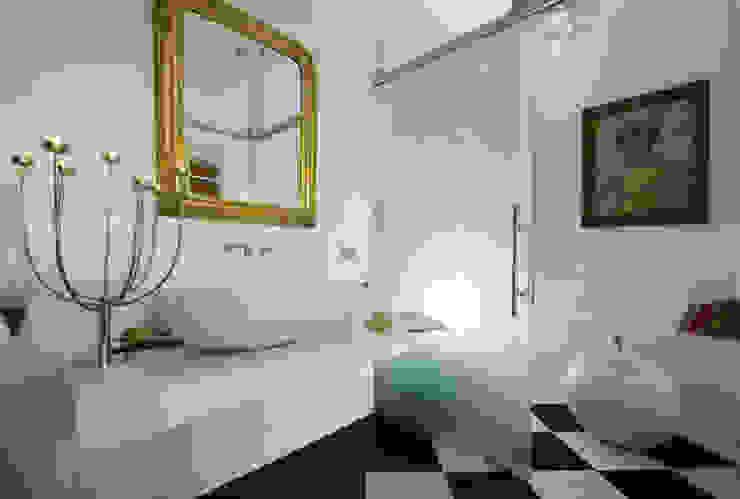 Villa EUR Roma 2010/1012 Bagno moderno di EMC | Architects Workshop Moderno