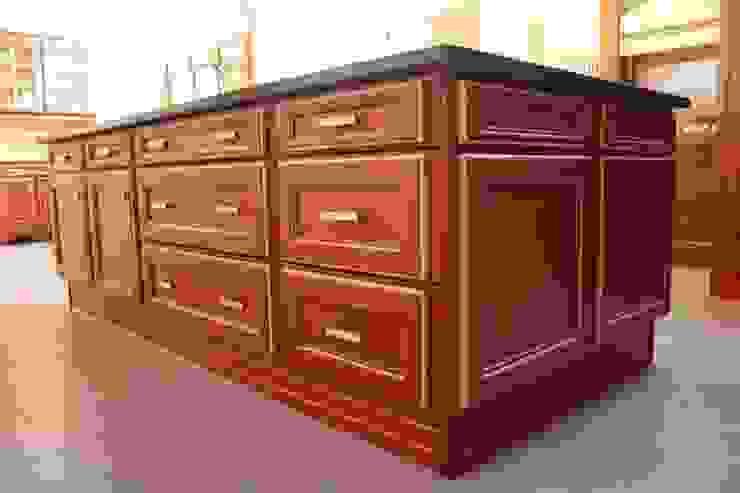MUDEYBA S.L. KitchenCabinets & shelves