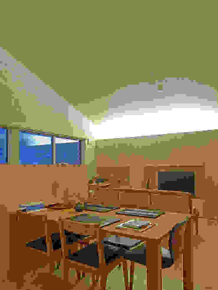 リビング・間接照明 ミニマルデザインの リビング の 田所裕樹建築設計事務所 ミニマル