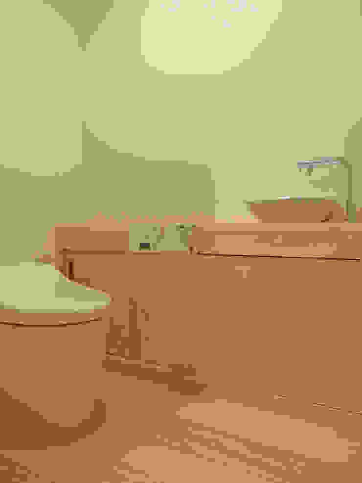 トイレ ミニマルスタイルの お風呂・バスルーム の 田所裕樹建築設計事務所 ミニマル