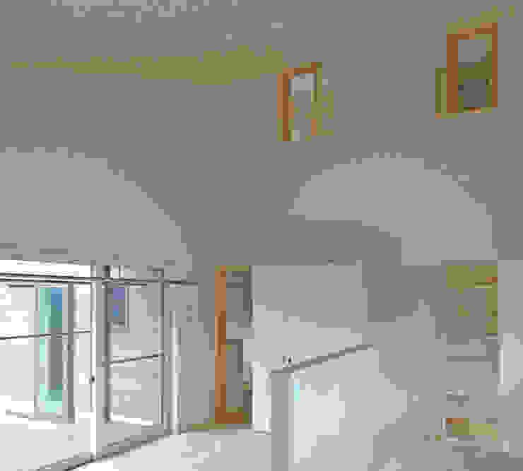 テラス・ダイニング・2階書斎のつながり ミニマルデザインの ダイニング の 田所裕樹建築設計事務所 ミニマル