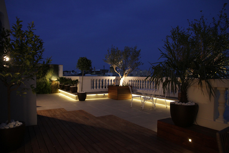 terrace illumination Modern balcony, veranda & terrace by FG ARQUITECTES Modern