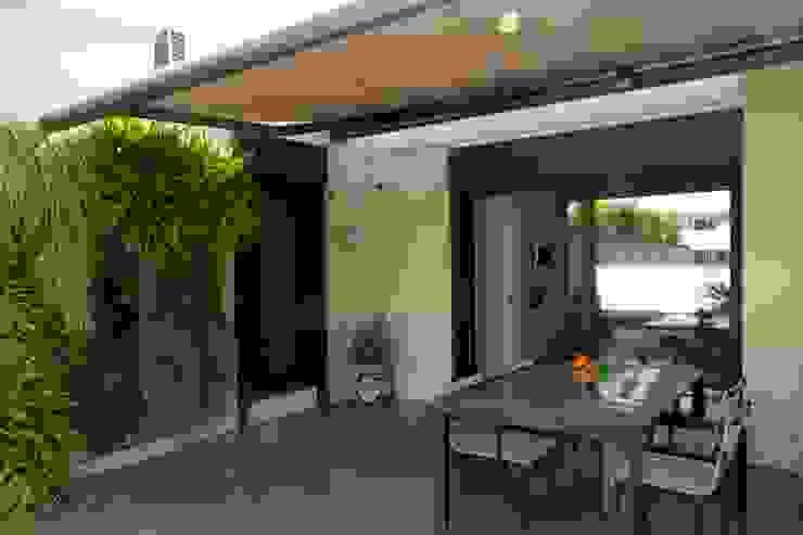 terrace Balkon, Beranda & Teras Modern Oleh FG ARQUITECTES Modern