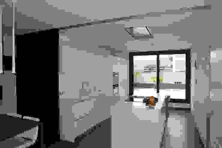 Kitchen Moderne Küchen von FG ARQUITECTES Modern