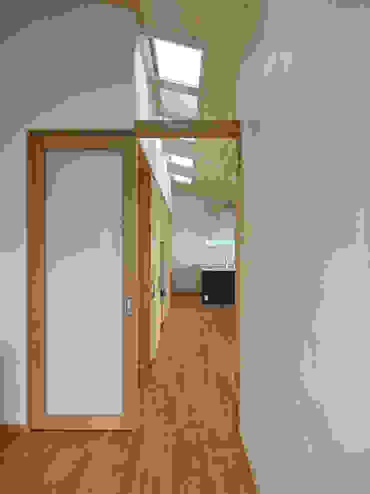 玄関ホール ミニマルスタイルの 玄関&廊下&階段 の 田所裕樹建築設計事務所 ミニマル