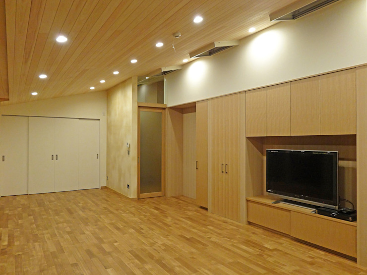 LDK(夜) ミニマルデザインの リビング の 田所裕樹建築設計事務所 ミニマル