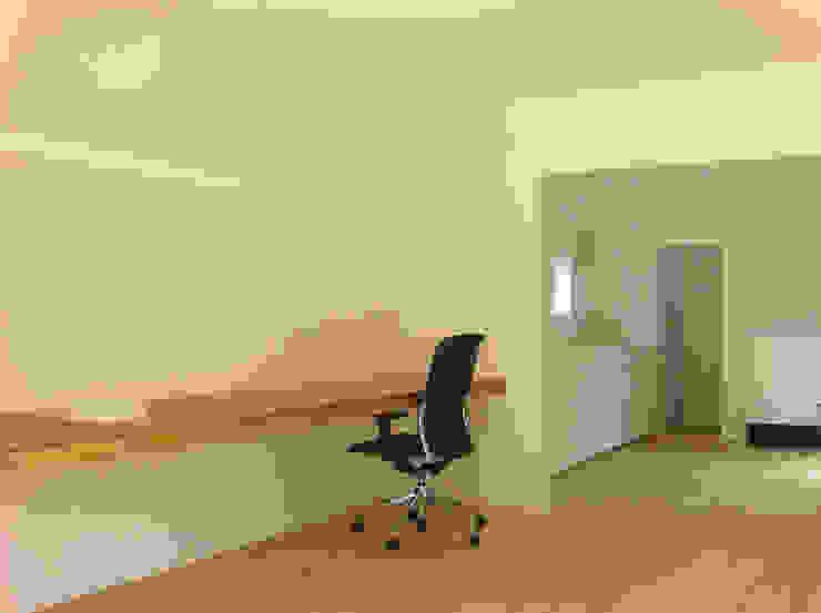 デスクカウンター・キッチンカウンター ミニマルデザインの 書斎 の 田所裕樹建築設計事務所 ミニマル