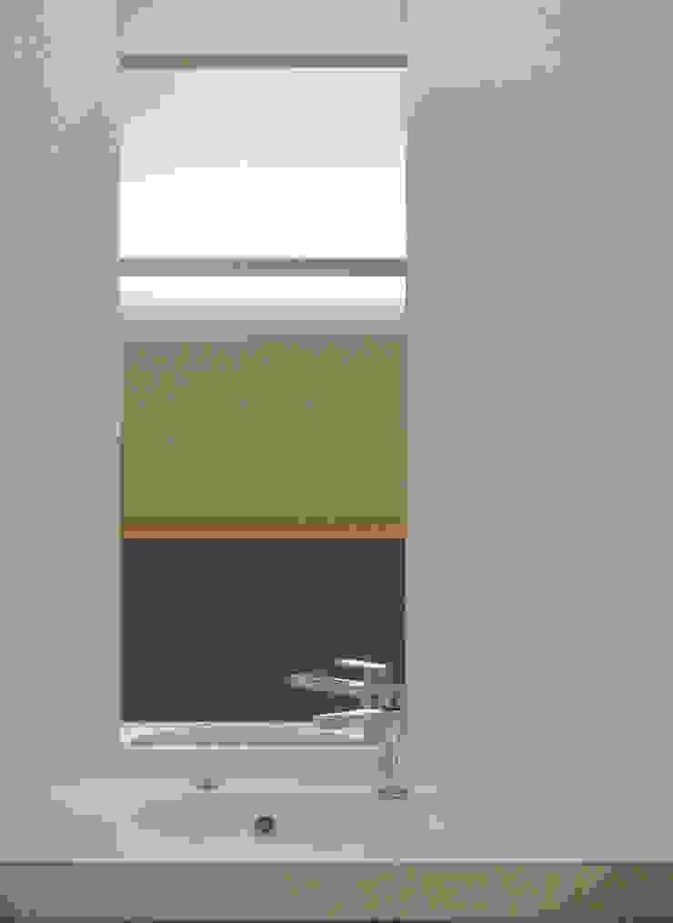 洗面台 ミニマルスタイルの お風呂・バスルーム の 田所裕樹建築設計事務所 ミニマル