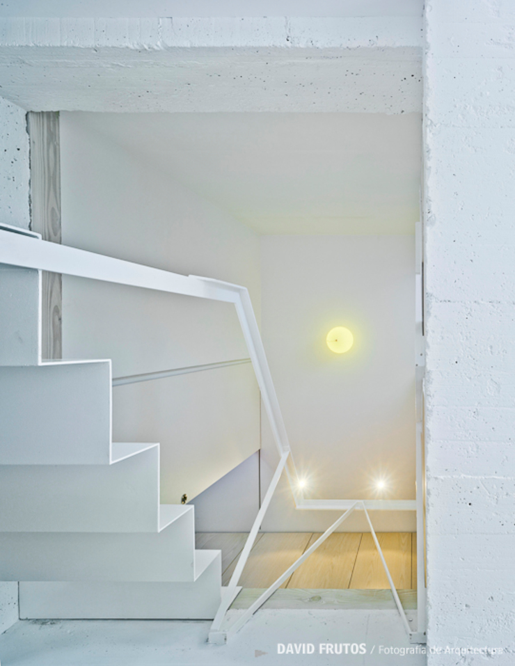 Manuel Ocaña Architecture and Thought Production Office Eclectic style corridor, hallway & stairs