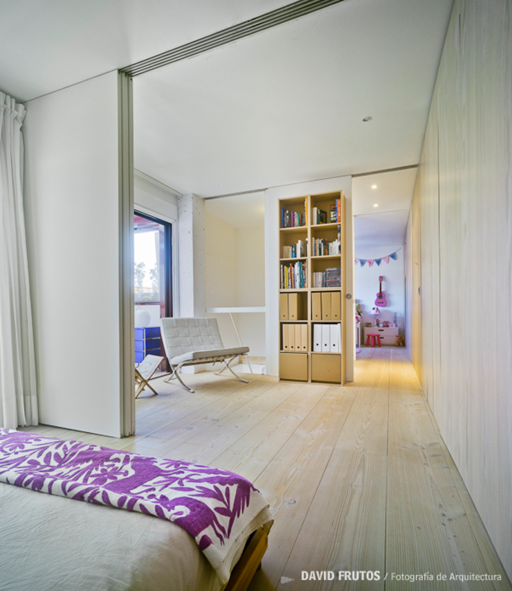Manuel Ocaña Architecture and Thought Production Office Scandinavian style bedroom