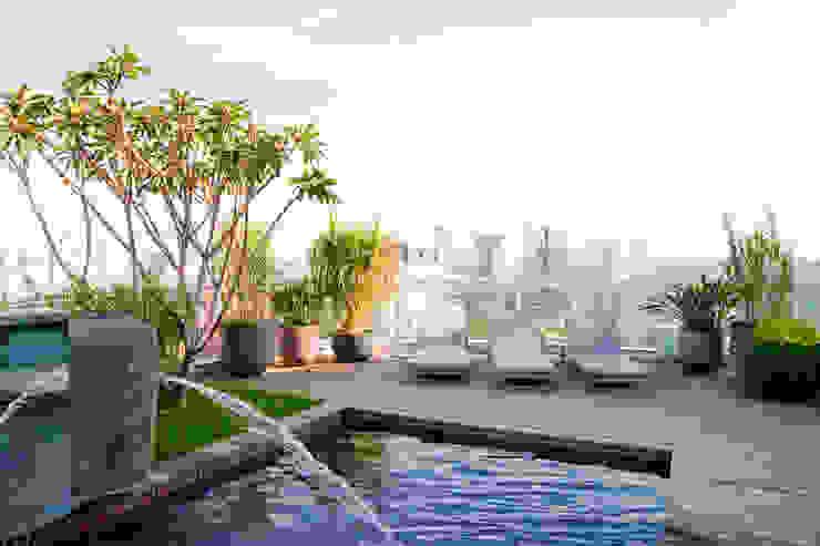 Duplex Cidade Jardim - São Paulo Piscinas clássicas por Brunete Fraccaroli Arquitetura e Interiores Clássico