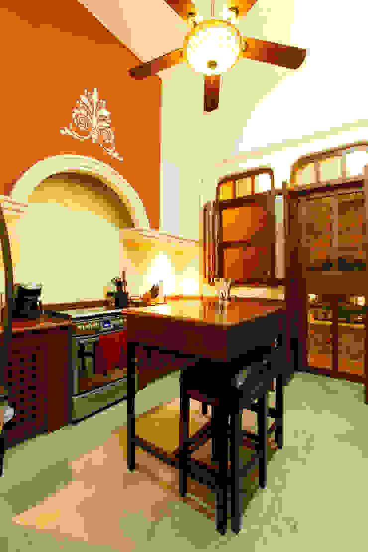Cocina Cocinas coloniales de Arturo Campos Arquitectos Colonial