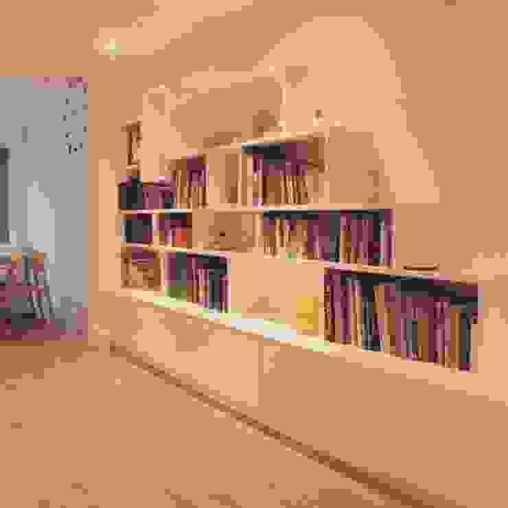 Finished installed bookcase Whitehouse Interiors Salas/RecibidoresEstanterías