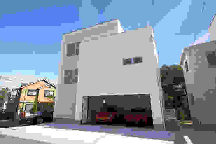 Modern houses by 一級建築士事務所・スタジオインデックス Modern