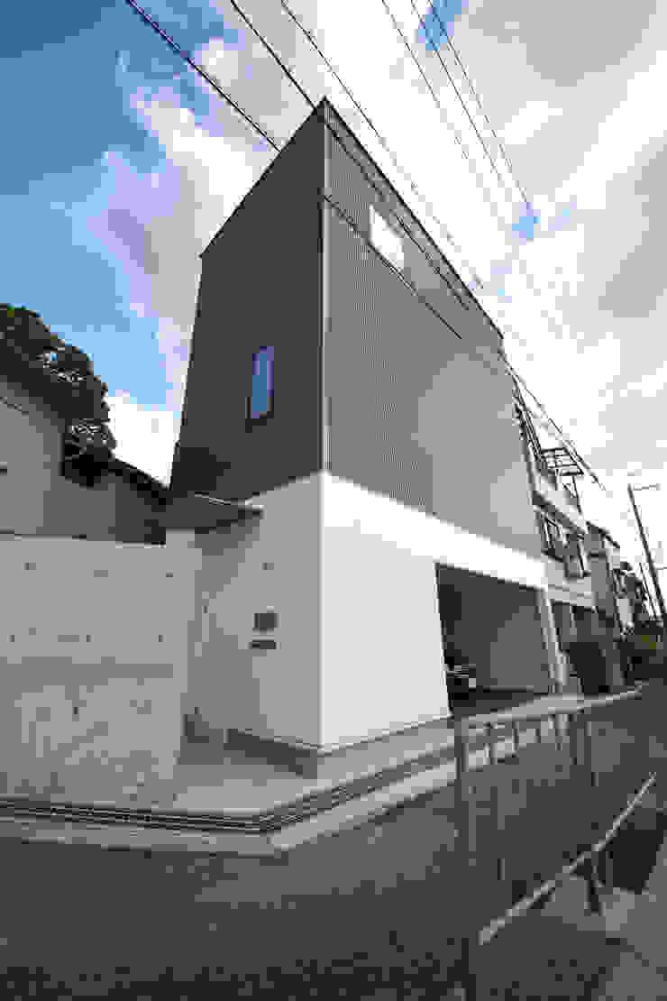 Casas modernas de 一級建築士事務所・スタジオインデックス Moderno