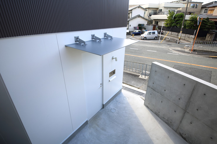 Puertas y ventanas de estilo moderno de 一級建築士事務所・スタジオインデックス Moderno