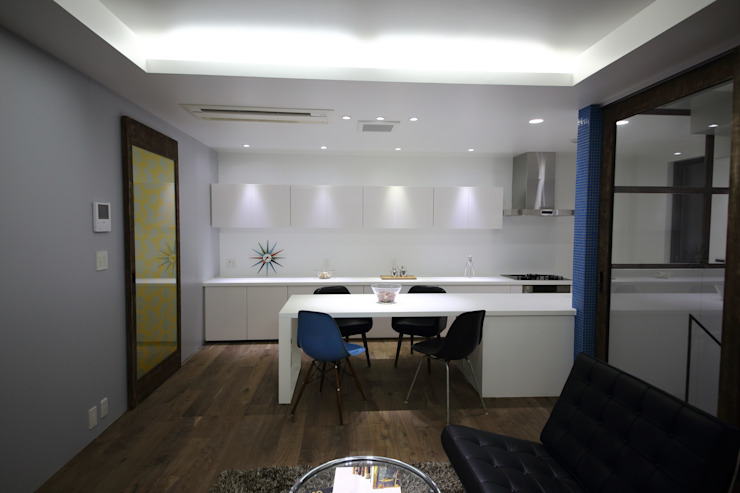 Comedores de estilo moderno de 一級建築士事務所・スタジオインデックス Moderno