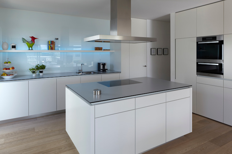 Cocinas de estilo moderno de Fachwerk4 | Architekten BDA Moderno