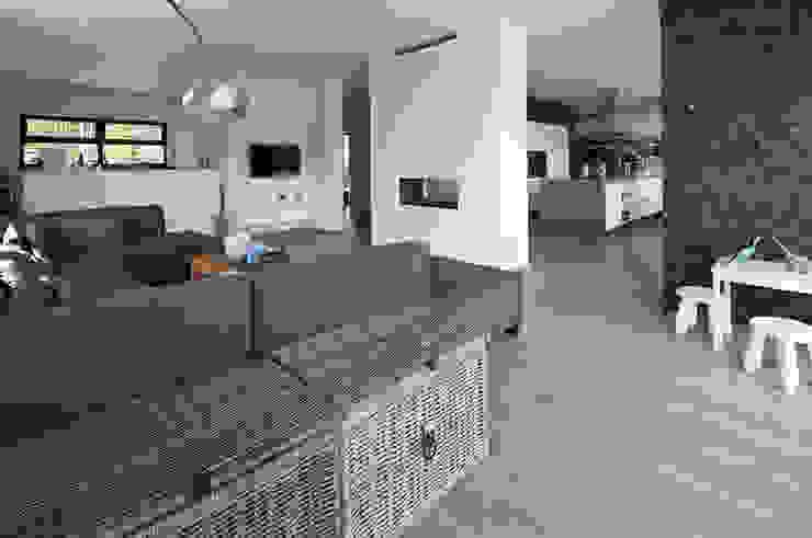 woonhuis S Neerharen Moderne woonkamers van 3d Visie architecten Modern